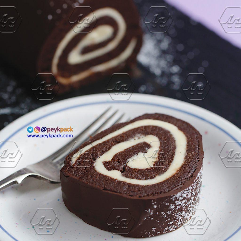 رول کیک شکلاتی
